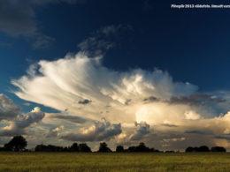 Pilvepiir 2013 võidufoto. Ilmselt varsti müristab (Suurupi 2013). Autor Indrek Vendelin