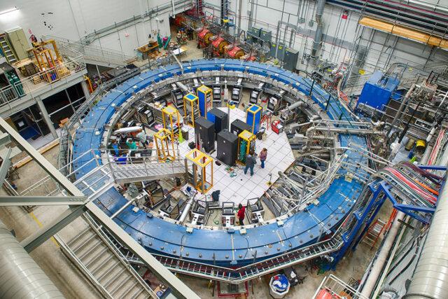 Fermilabi-müüoni-g-–-2-eksperimendi-rõngashoidla